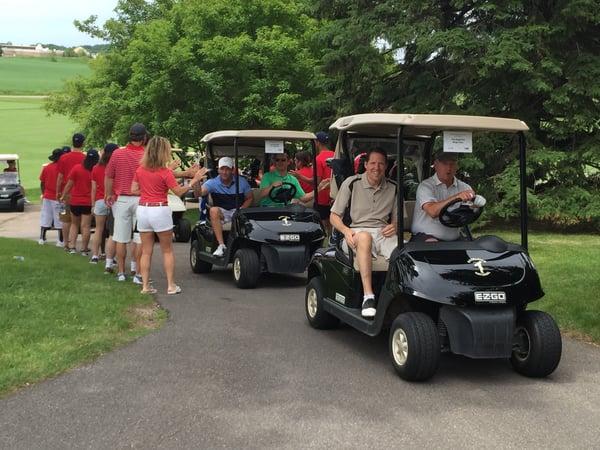 golf tournament volunteers