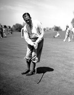 bobby-jones-1936-masters-putting.jpg
